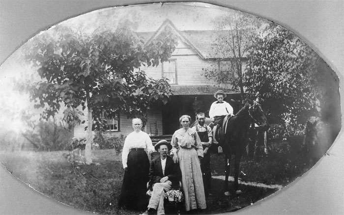 image of family in 1914